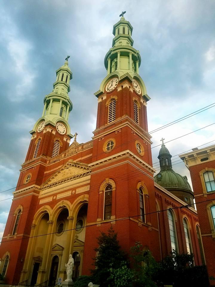 Mutter Gottes Kirche-2.jpg