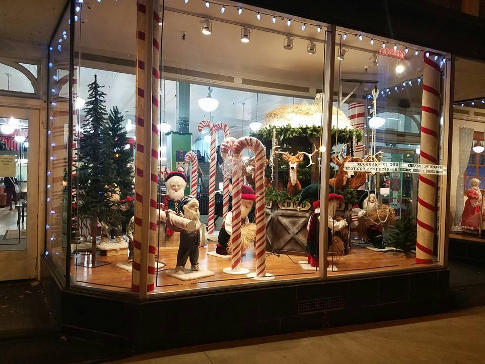 Sims on Madison - Santa's Shop-2.jpg