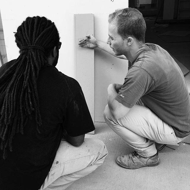 On site problem solving...we call it MacGyvering! #teamwork  #millwork #installation #tammyedmondsdesign #chesterinstall #losangeles #trinidad #design