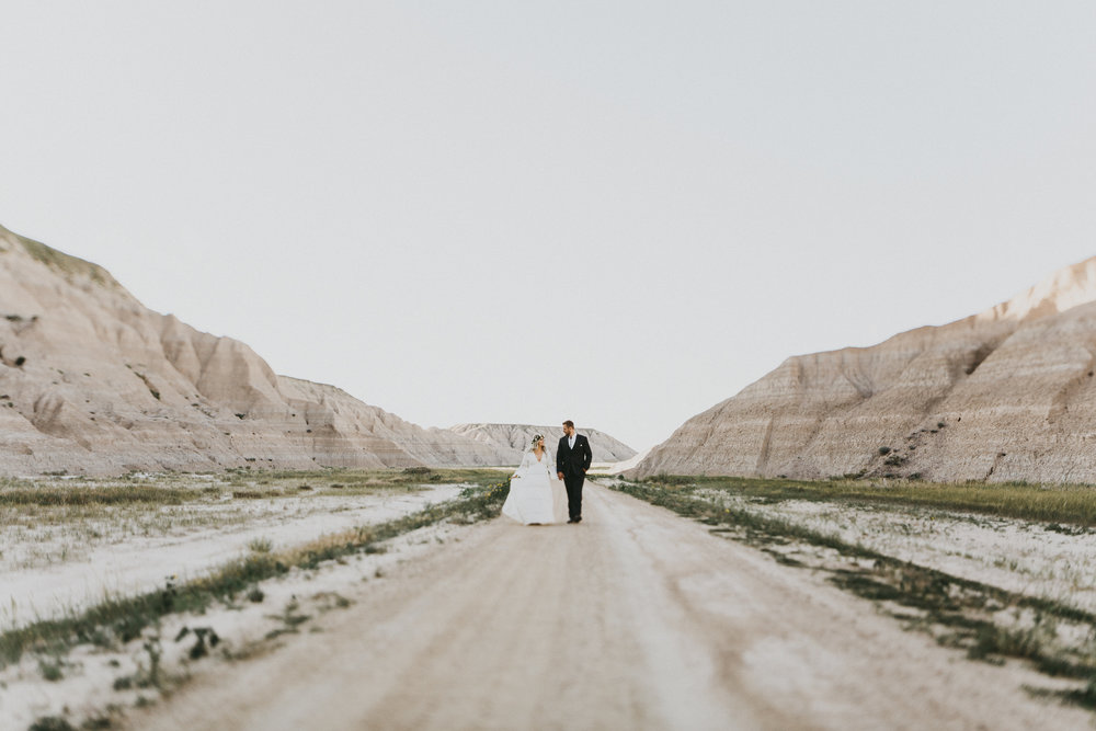 brides.com - 50 OF THE MOST EPIC WEDDING PHOTS FROM ACROSS THE USA [SOUTH DAKOTA]
