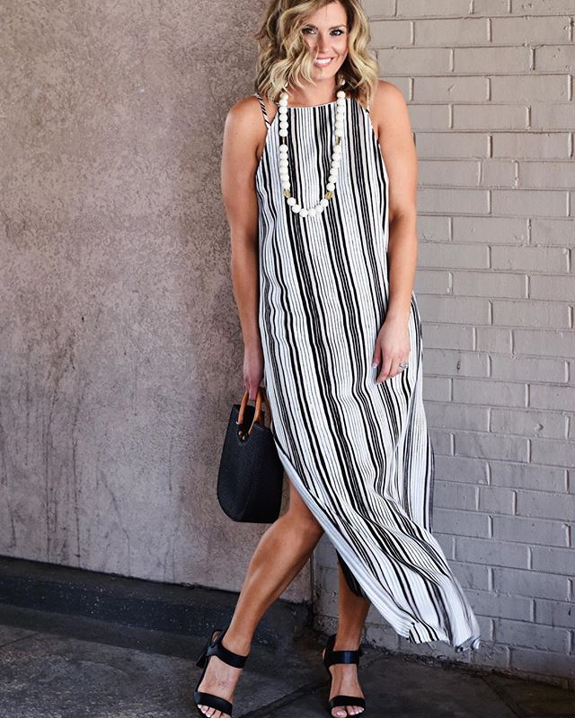 The girls decided we are making tonight Taco Tuesday 🌮! I found the best baked taco recipe 🙌🏽. . Don't forget Today-Friday @tavieboutique has 30% off dresses !!!! . This is one of my favorites !  Love the side slit 💕💕. Head in to shop or DM to order ! . . . #lovelyandsouthern #tavieboutique #lovetavie #styleblogger #style #ootd #ootn #ootdinspo #ootdfashion #fashion #fashionblogger #instagrammodel #instamodel #instagood #springfashion #momstyle #knoxville #knoxvilleblogger #knoxboutique #maxidress #stoneandstick