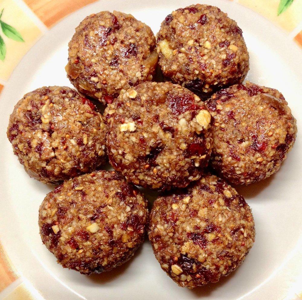 Bild 7: Fitness-Cookies aus unseren Boskoop-Äpfeln, Cranberries, Kokosraspeln, Mandeln und Cashews