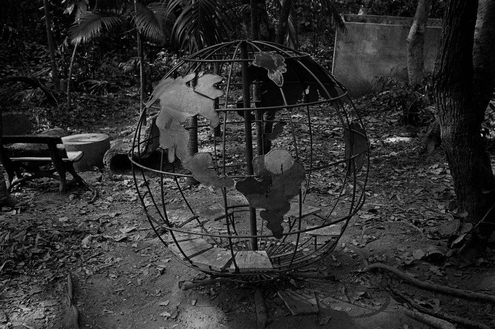 """Globe."" Chaing Mai, 2002"