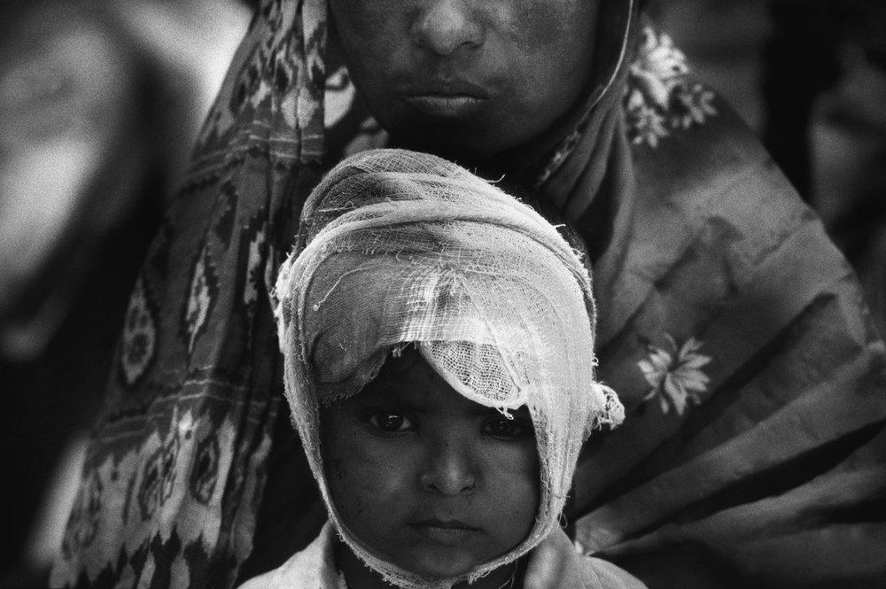 Maharashtra earthquake survivors. India, 1993