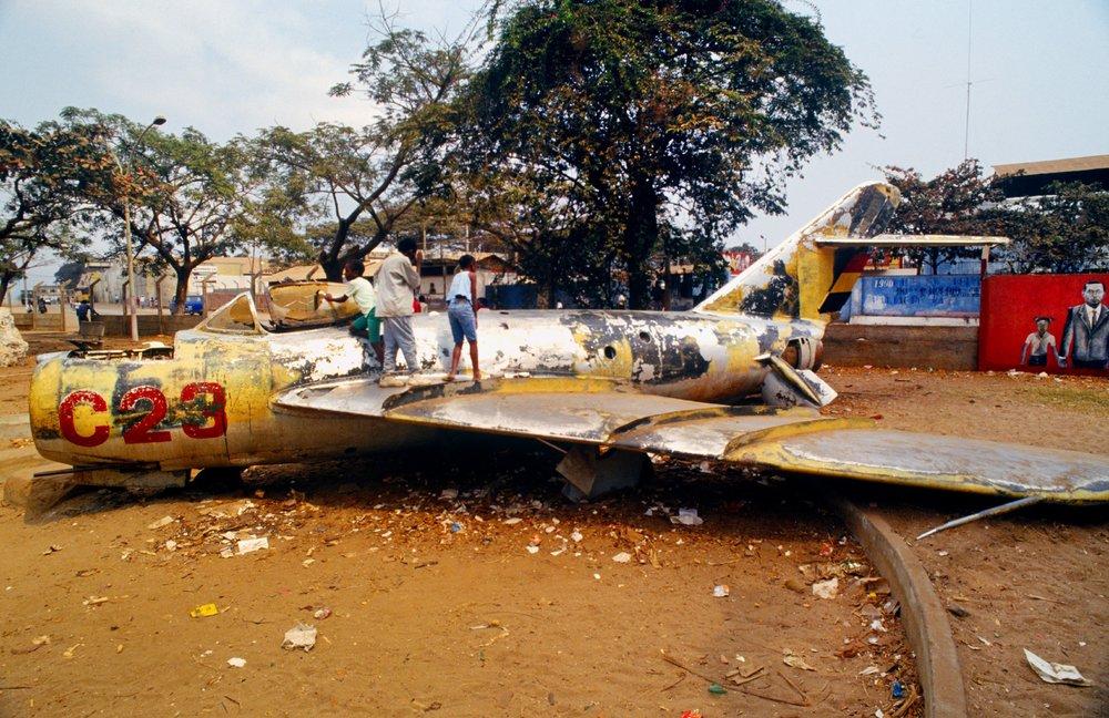 """""""War Playground""""Luanda, Angola.1993"""