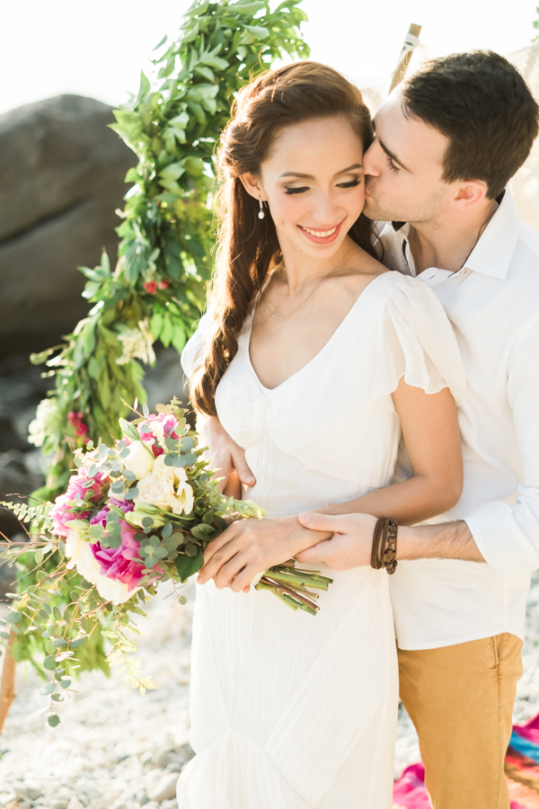 5i DIY Beach Seaside Elopement Editorial -0004522.jpg