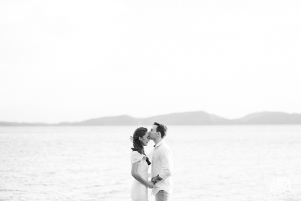 6n DIY Beach Seaside Elopement Editorial -01474.jpg