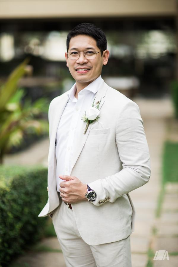 31 1 Louie Arcilla Weddings & Lifestyle - Boracay beach wedding-43.jpg