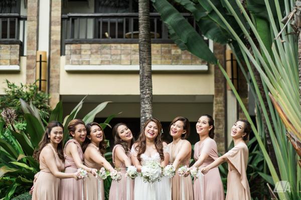 33 1 Louie Arcilla Weddings & Lifestyle - Boracay beach wedding-44.jpg