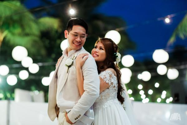 59 3 Louie Arcilla Weddings & Lifestyle - Boracay beach wedding-1.jpg