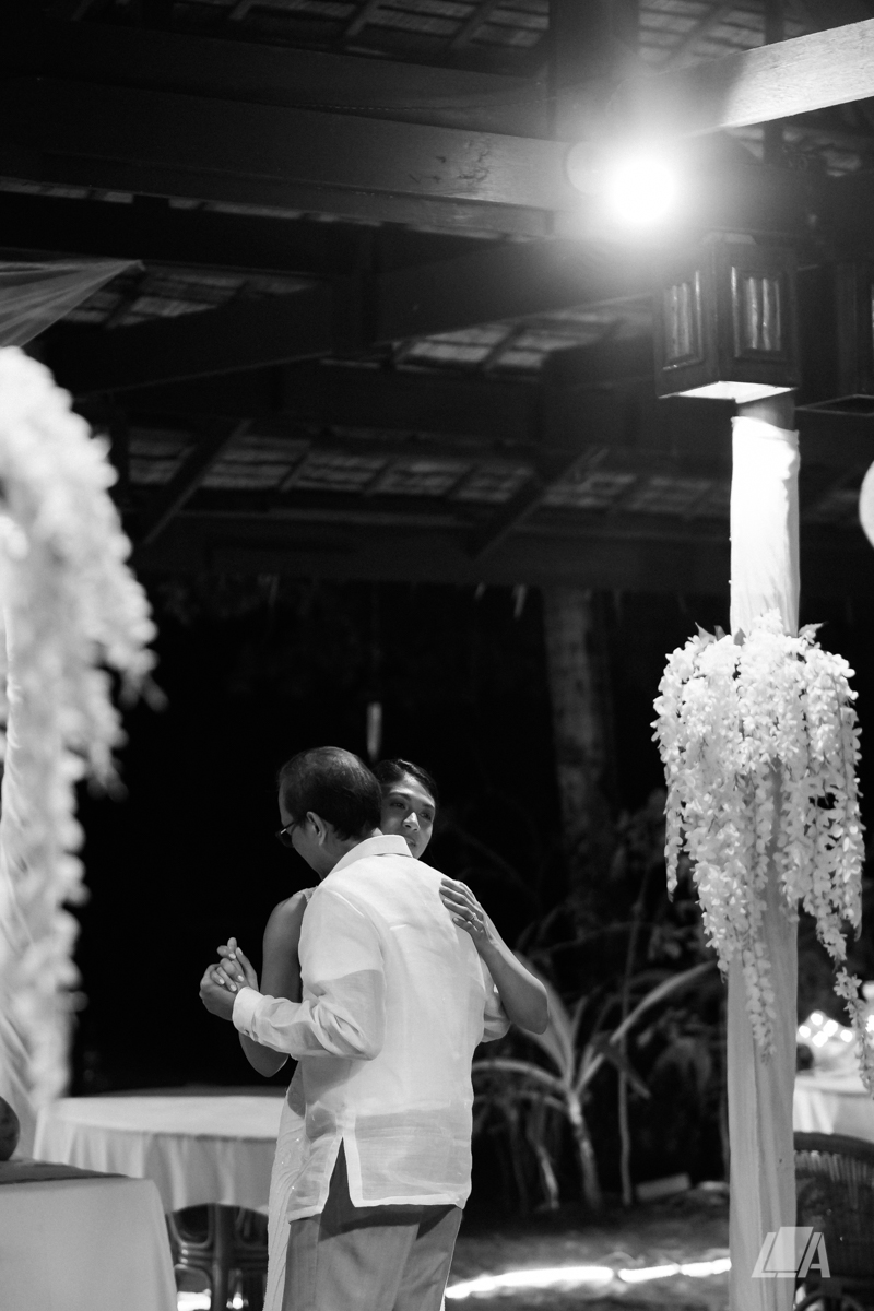 3x 6 Louie Arcilla Weddings & Lifestyle - El Nido Palawan beach wedding-0345.jpg