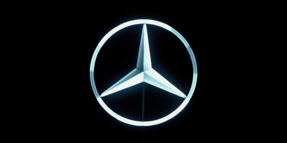 Daimler Corporate Signs 03.jpg