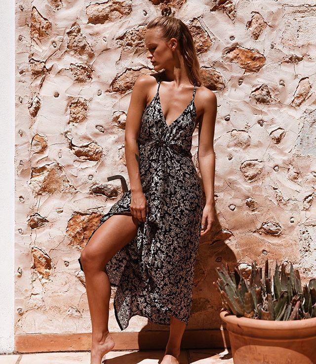never ending summer  #shopthelook #byjillshaw #linkinbio