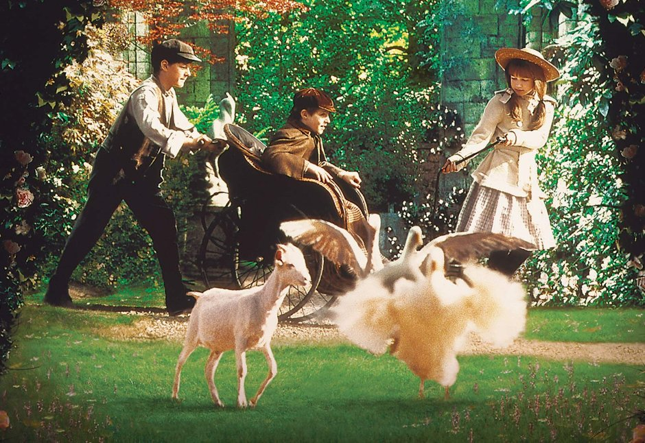 Nephew Adventures-The Secret Garden - Amanda begins a new series of mini episodes where she takes her nephews to the movies and they talk about the film afterwards. First up is the 1993 film, The Secret Garden.