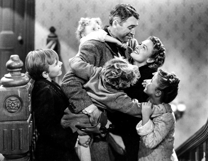 It's A Wonderful Life - Amanda welcomes return guests Brenda and Addie to discuss the Christmas classic, It's a Wonderful Life. Brenda cries, Addie is Ernie and Violet, and Amanda has some very strong opinions about colorized versions of black and white films.