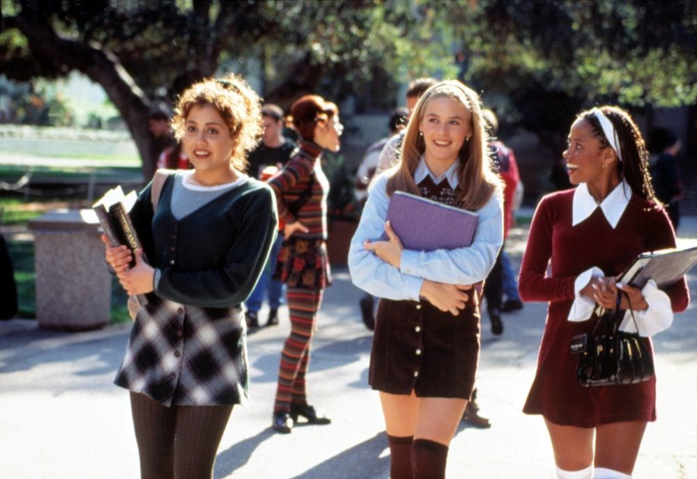 Clueless - Amanda discusses the 90s classic, Clueless, with first time guest, Dallas. They start by giving a small peek behind the curtain of It's All Been Done Radio Hour. Then, Dallas is in awe of the magic of the 90s while Amanda tries to explain the trends and fashion of the decade.
