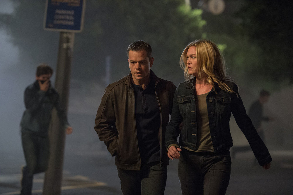 Jason Bourne - Amanda discusses Jason Bourne with guest Pam. They speculate on where the Bourne franchise is heading, Amanda laments about shaky camera direction and Pam wants more from Alicia Vikander.
