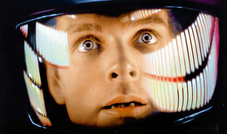 2001: A Space Odyssey - Amanda is joined by regular guests Stephen, Colleen and Tim to discuss the sci-fi classic, 2001: A Space Odyssey. Stephen doesn't want to eat space food through a straw, Colleen hated the apes as a kid but appreciates them more now, Tim feels like a few minutes could have been cut from the film, and Amanda is terrified of being lost in space.