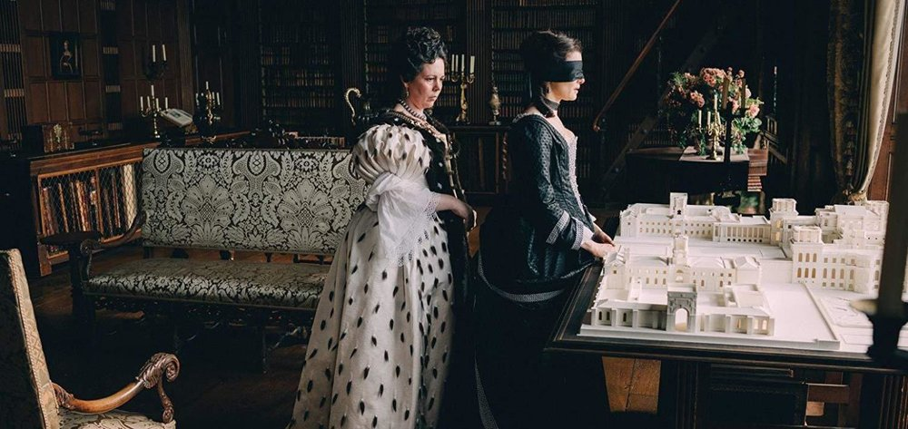 The Favourite - Amanda welcomes back Jessica and Kyle to talk about the awards season heavy hitter, The Favourite. Jessica is not a fan of the fisheye lens use within the film, Kyle wonders if Yorgos Lanthimos is the new Ang Lee, and Amanda nerds out about Lanthimos' direction.