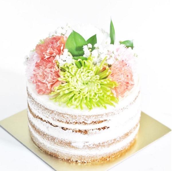 Fresh flower - naked cake.jpg