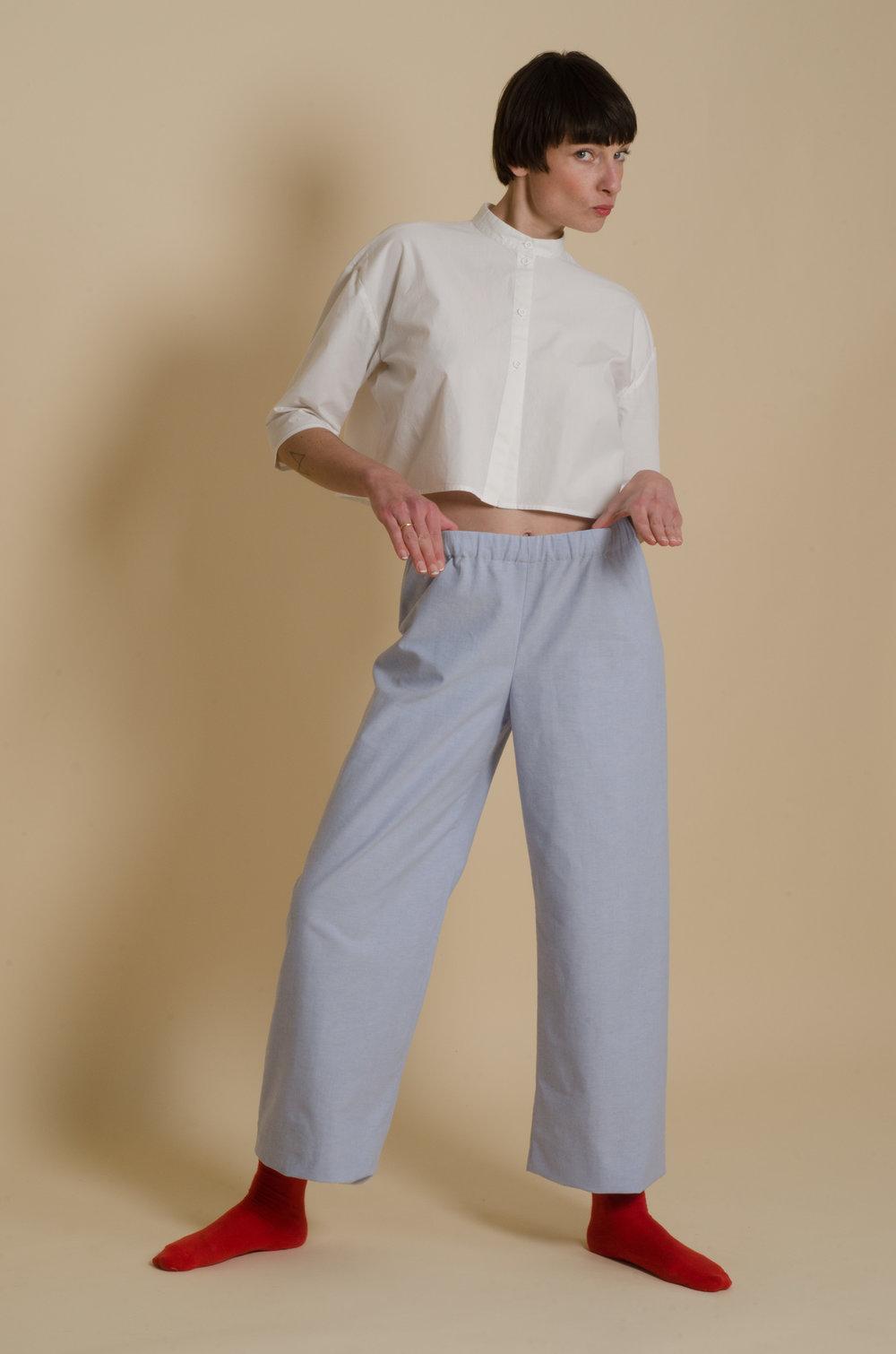 meinwerk diy schnittmuster & anleitung oversized shirtdress, easy culotte, nähanleitung, hemdkleid nähen, hemdkleid schnitt, bluse nähen, blusen schnittmuster, weites hemdkleid selber nähen, weite bluse, weites blusenkleid, oversized bluse, tunika schnitt, diy design, hemdstoff, blusenstoff, handmade shirt, diy berlin, minimalistisch, minimalism, puristisch, slow fashion, nachhaltig, skandinavisch, pyjamahose, marlenehose, culottes, baumwollhose, hosenschnitt damen