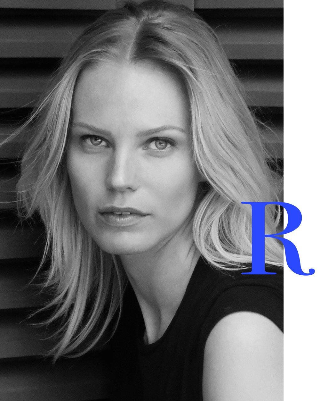 - Ragnhild Jevne jobber som modell og designer. 4. mai åpner hun sin første kunstutstilling i Oslo med kolleksjonen Mental Mechanism.Itillegg til å ha samarbeidet med Ragnhild i boligprosjekt, har vi nåsnakket med henne om minimalisme - en livvstil som Ragnhild selv lever!Foto: Ragnhild Jevne