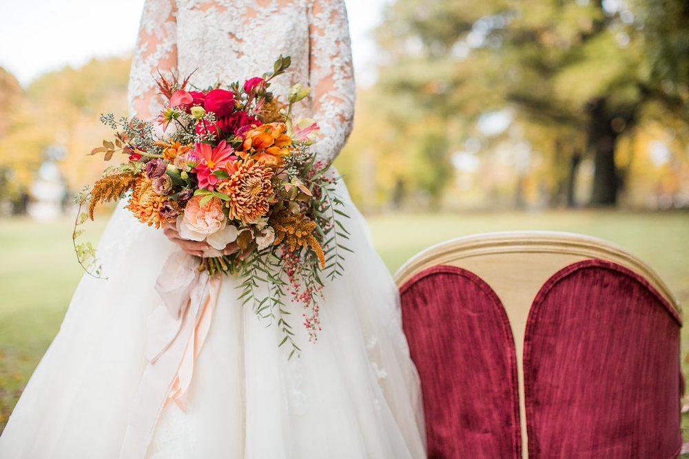 Merlot + Navy Fall Wedding Inspiration at Schenley Park - Leight Up Life Photography (106).jpg