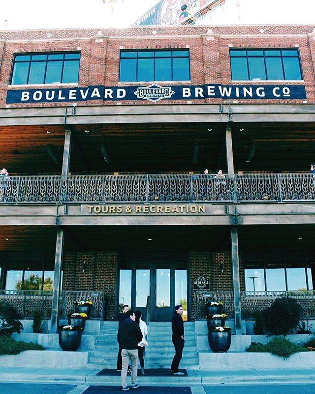 Was my favorite part about @boulevard_beer the amazing tour, the test beer bar, the gift shop? I can't decide. If you haven't yet, read all about my visit. Link in bio!!!