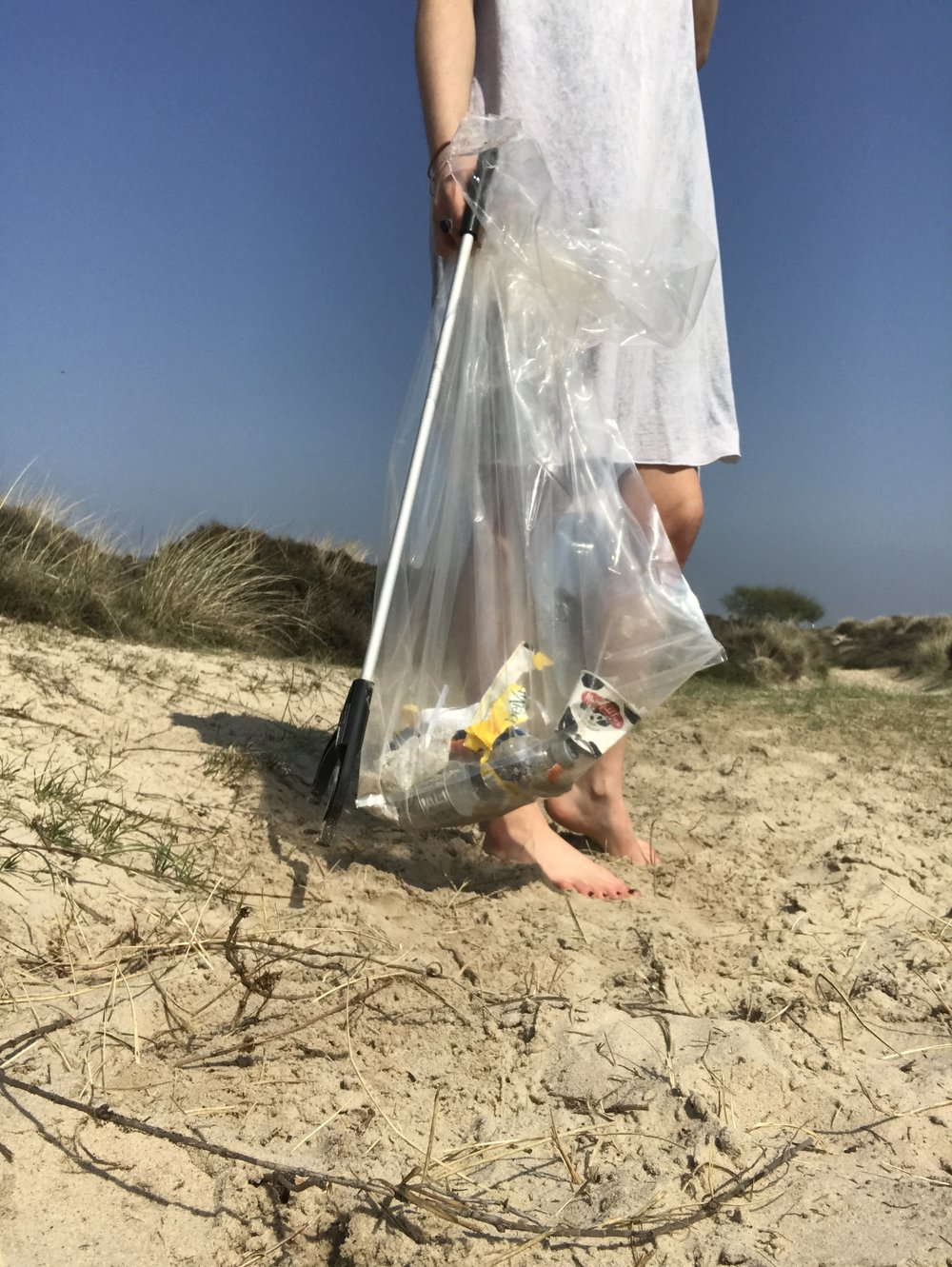 Celebrate Earth Day with a Litter Pick | Eco Friendly Living by The Foraged Life