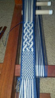 4e67f9ae2b5b2d7c8d64375f56a50a90--inkle-loom-hand-weaving.jpg