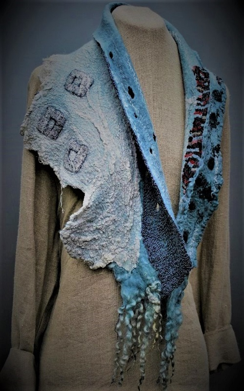 9cf3800e890446a577cf53b5116961c0--knitting-designs-felted-scarf - Copy.jpg