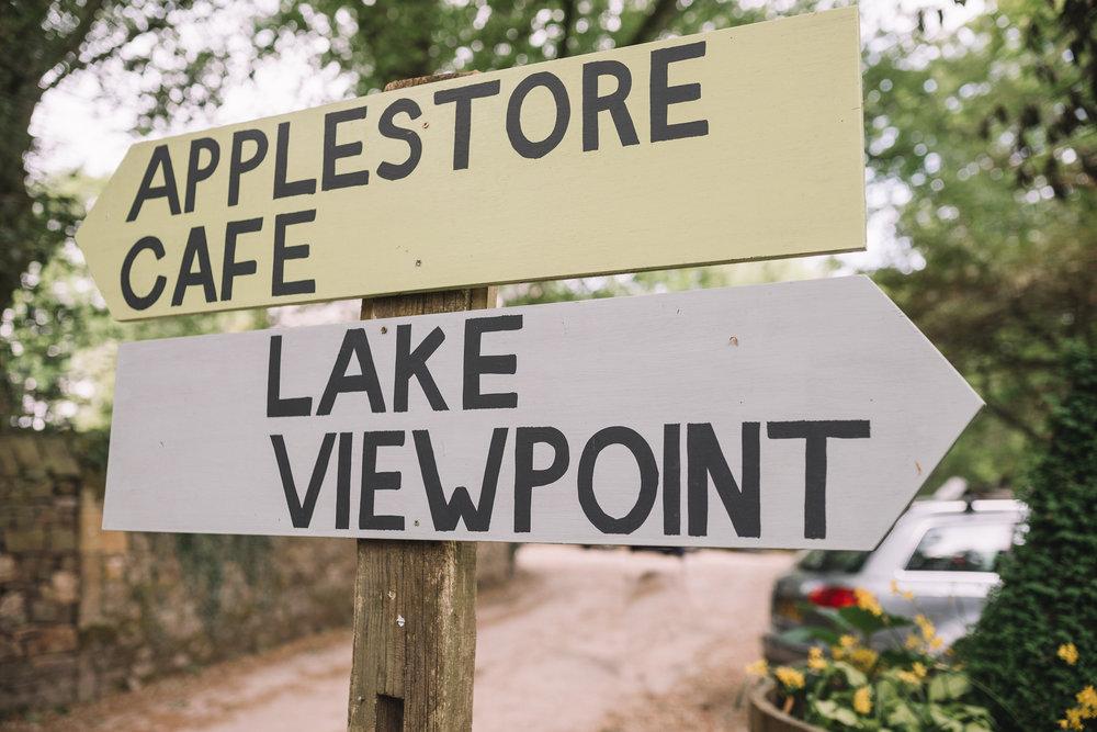 Applestore Cafe Sign