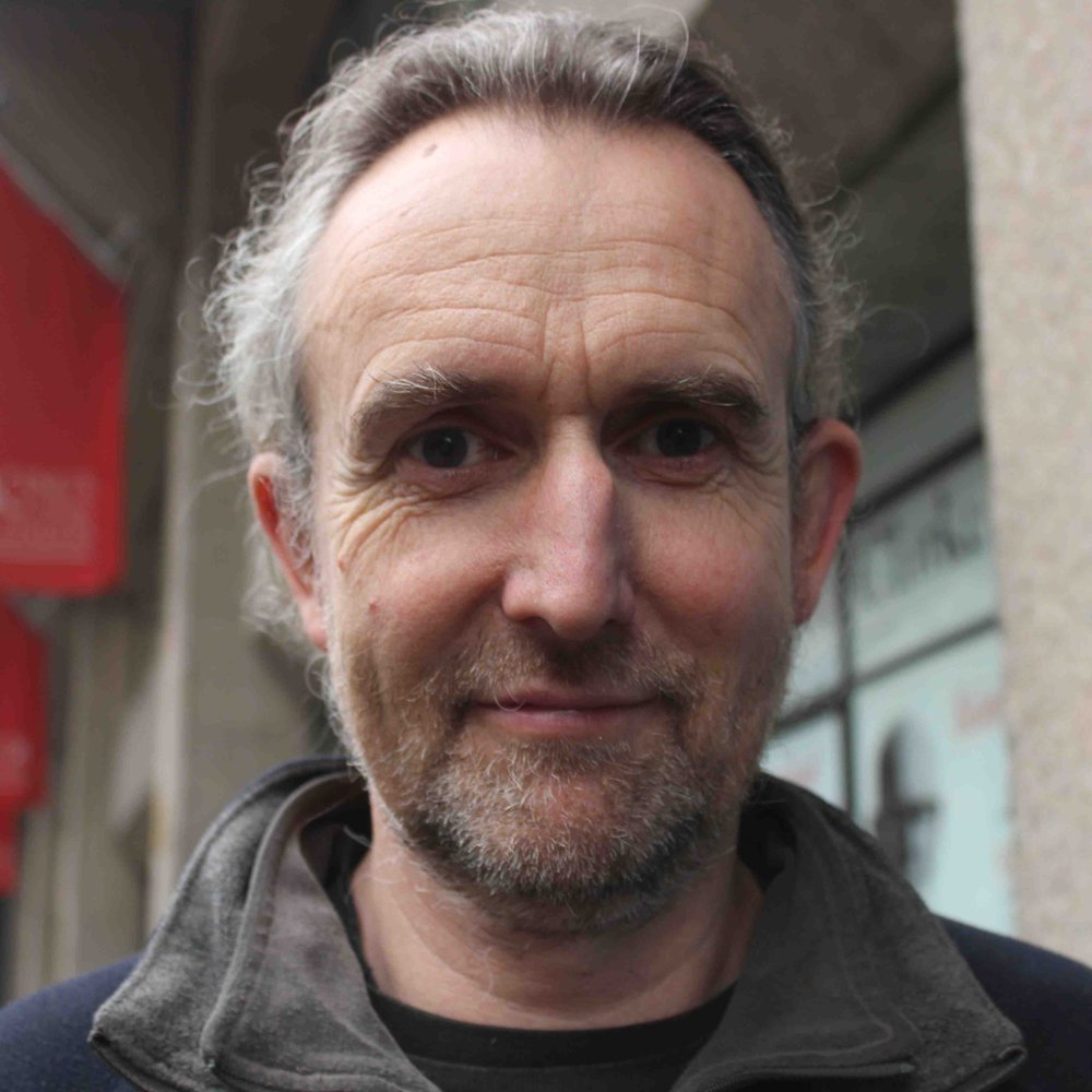 Instructor:  Roger Hallam is an activist and Ph.D. student at King's College London, studying how to maximize political participation. He's a founding member of the  Radical Think Tank . He recently led the first successful rent strike in London in 30 years and compelled King's College to commit to fossil fuels divestment by 2020..