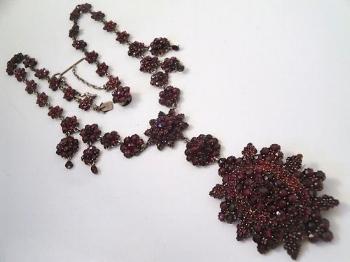 1800s Czech bohemian rose cut garnet necklace