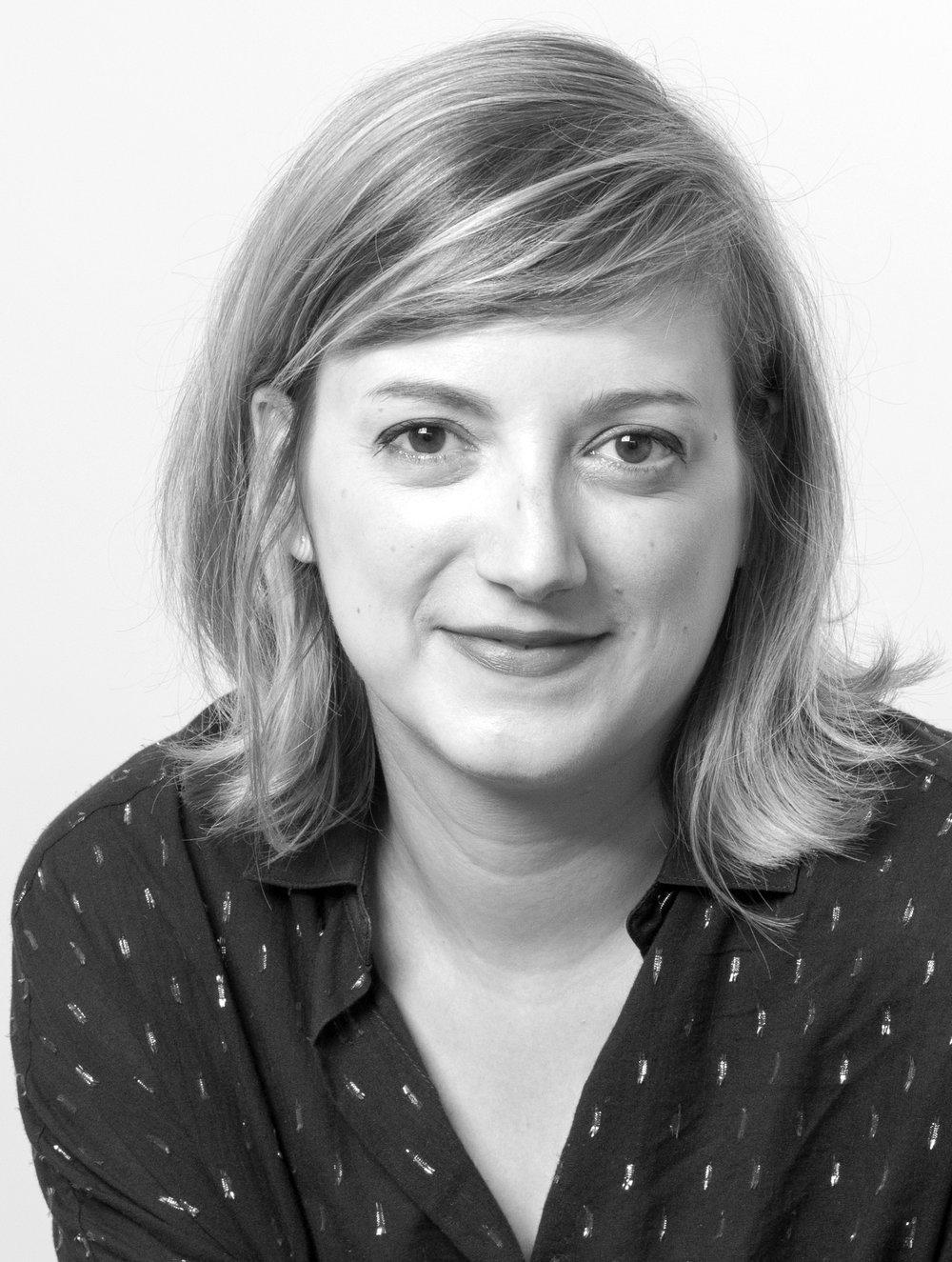 Adeline Çabale - Experte Retail - CEO et Co-Fondatrice Retail FactoryDiplômée de l'Institut Français de la Mode, Adeline travaille depuis 12 ans dans la stratégie Retail de marques. Aujourd'hui Experte Retail pour le compte de clients du luxe, de la beauté et de la food, elle est spécialiste des tendances de magasins, de l'expérience client et du Retail-tainment.Elle organise régulièrement des Retail Tours à Paris, Londres et New York.En 2017, elle créé Retail Factory avec Jean-Noël Chaintreuil.