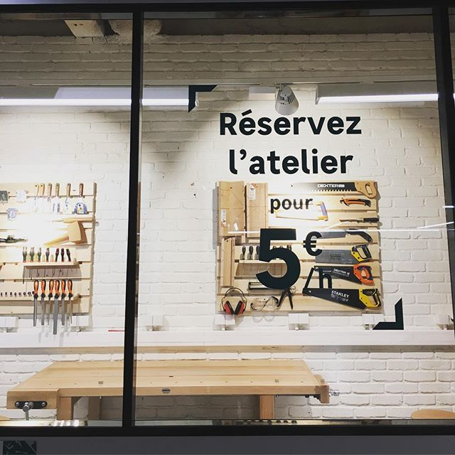 Leroy Merlin is adding new #instoreservices such as booking the workshop to use the DIY tools in its new Madeleine store, Paris 8th well done @leroymerlin #new #store #nouveau #magasin #leroymerlin #diy #bricolage #decoration #interiordesign #decorationdinterieur #omnichannel #experience #retailexperience #showroomstore #digital #customerexperience #madeleine #paris #paris8 #june18 #atelier #workshop