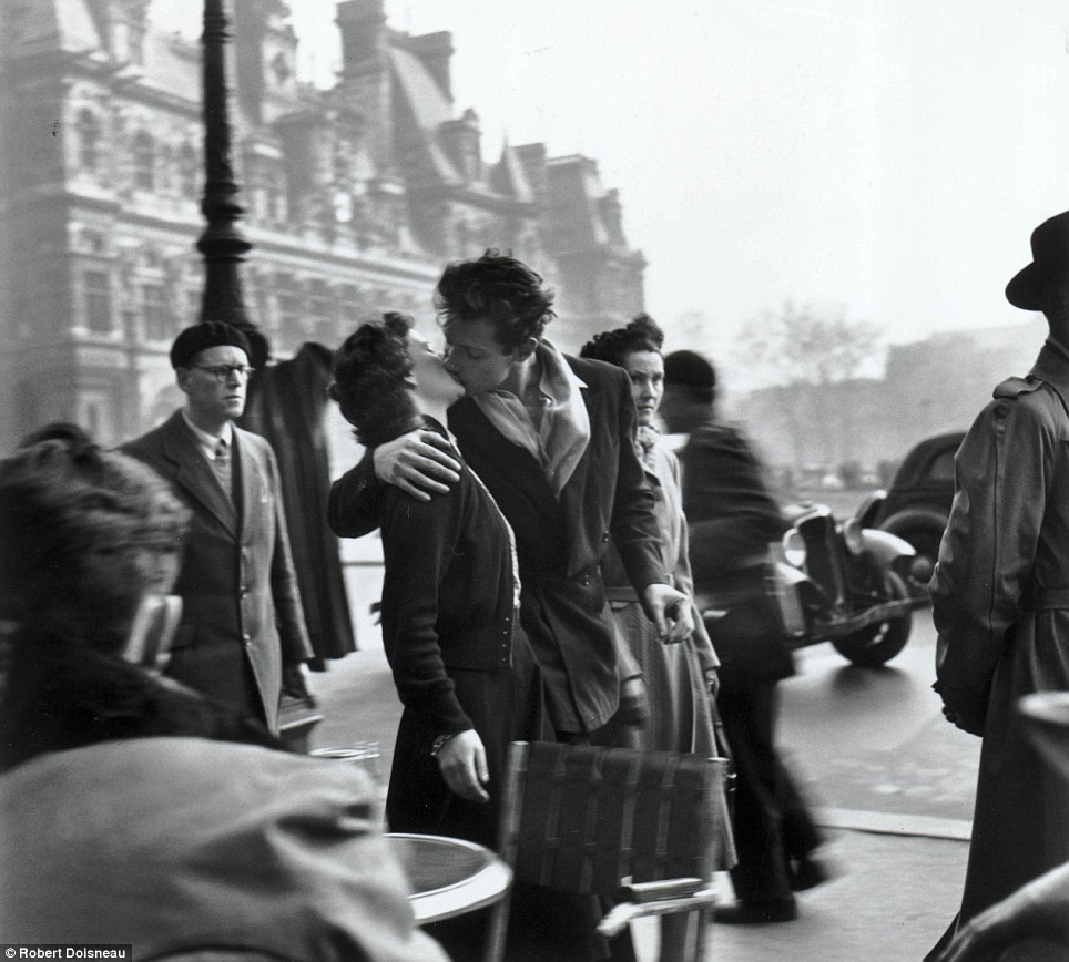 "Robert Doisneau, 1950 "" Le baiser de l'hôtel de ville ""  = romantic love (and currently on display at Neomodern)"