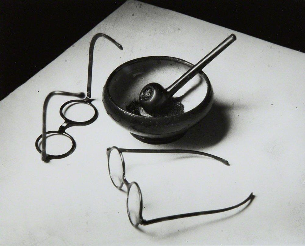 "Kertesz, ""Mondrian's Pipe and Glasses"" (1926)"