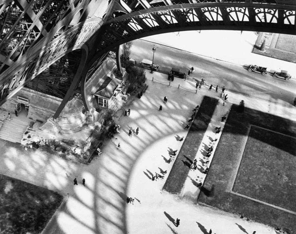 Andre Kertesz, Shadow of Eiffel Tower (1929)