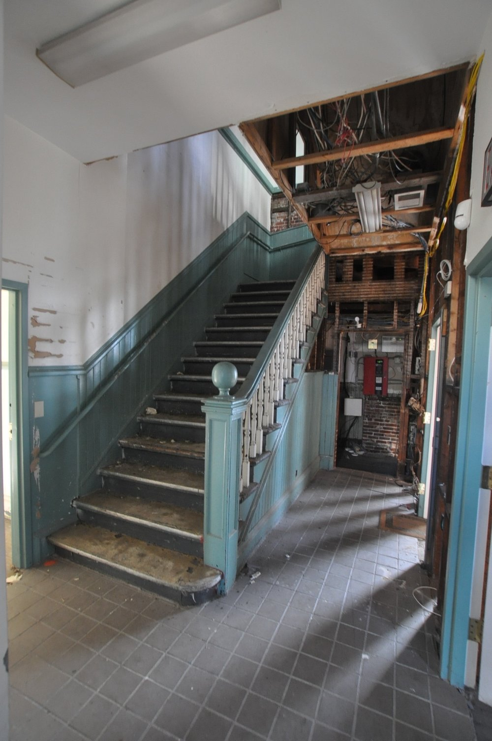 Photo 6-before -stairs - grand trunk -DSC_0026.jpg