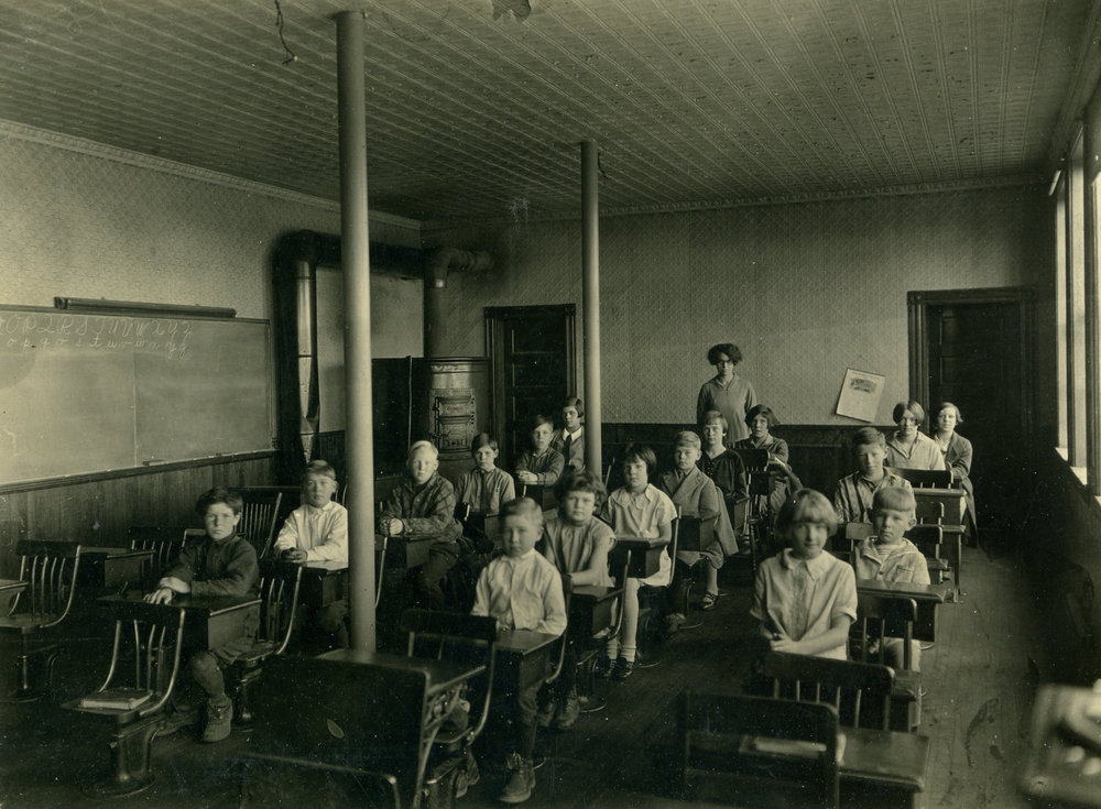 Historic image 1927 interior school room.jpg