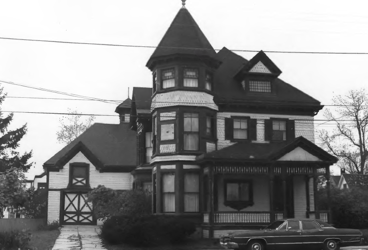 Seavey House Photo c. 1977.png