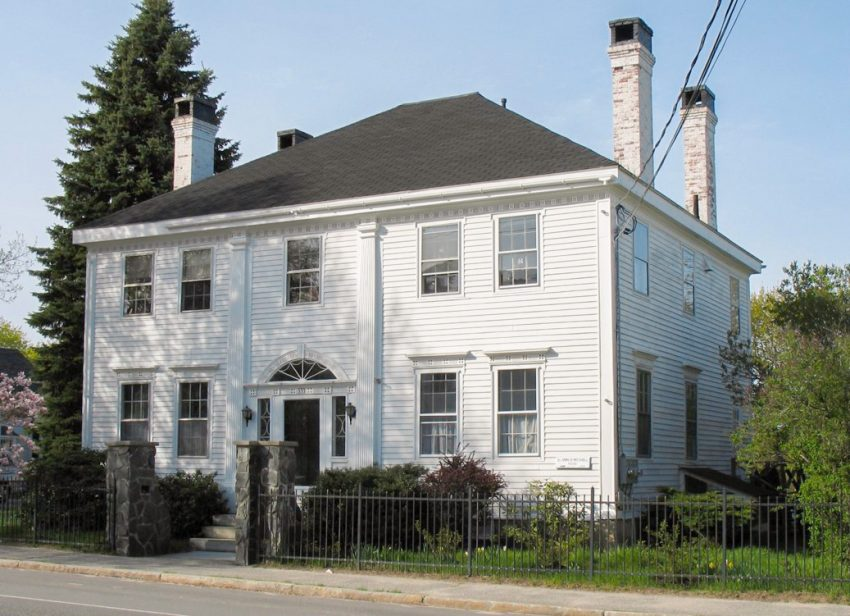 The circa 1800 Ammi R. Mitchell House in Yarmouth. Photo courtesy of Maine Preservation
