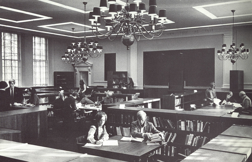 Q2 Hanscom first floor library 1968.jpg