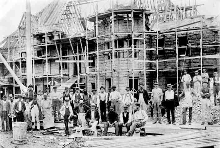 turrets-workers-1895.jpg