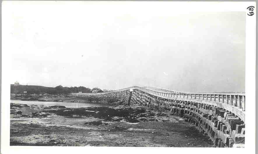 Completed-bridge-East-side-1927.jpg