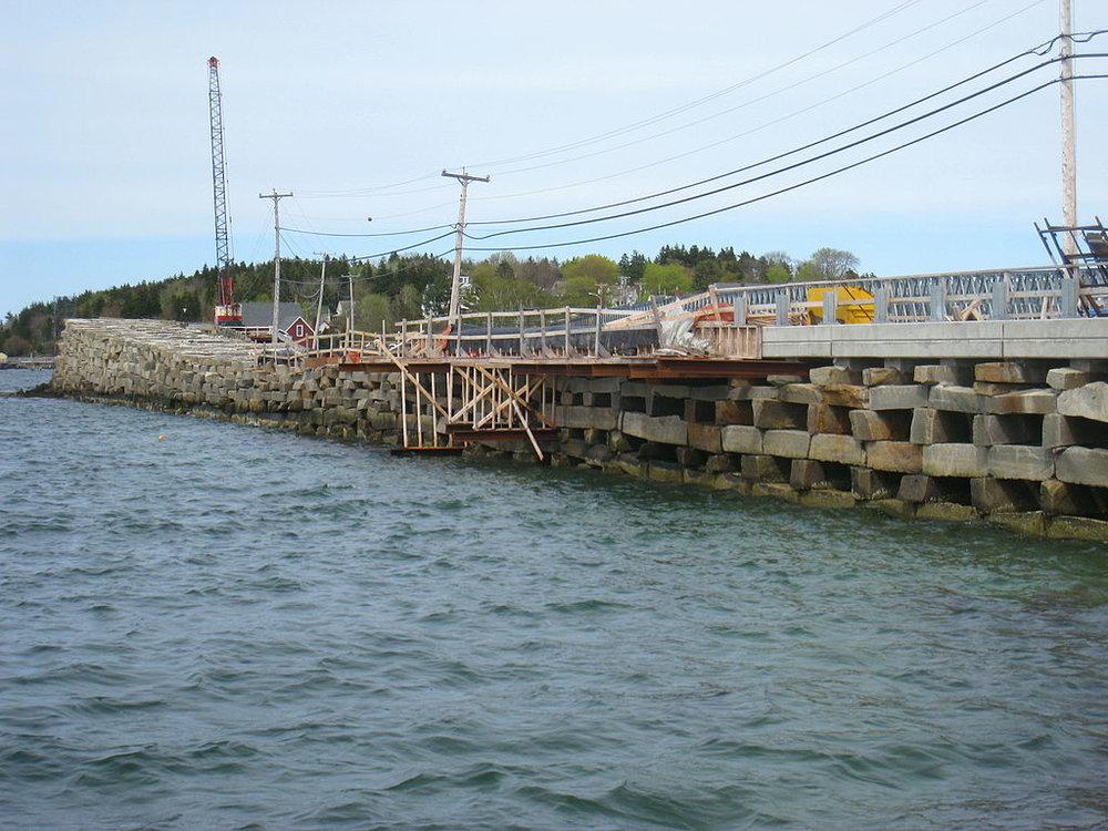 1024px-Bailey_Island_Bridge,_Harpswell,_ME_-_IMG_7898.JPG