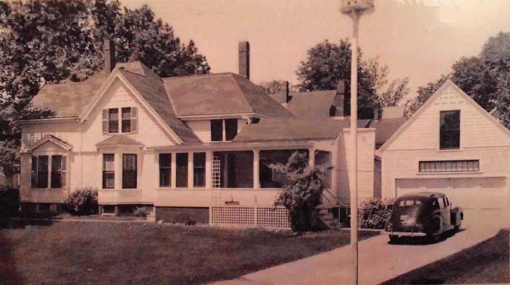 LL House Historic w car.png