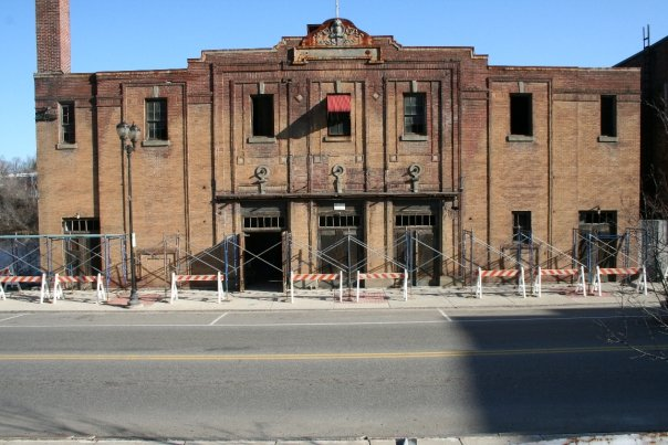 Colonial Theater.jpg