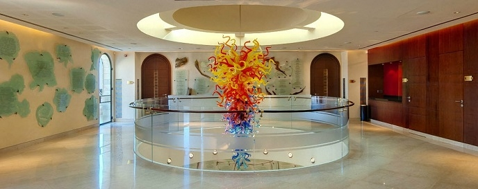 Chihuly Glass Sculpture in the Forum